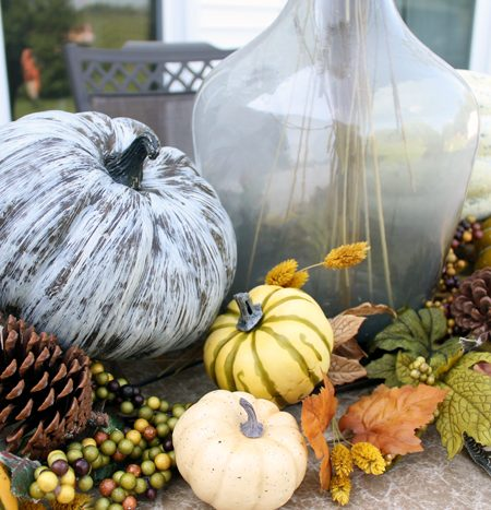 Outdoor Fall Table - everything you need to decorate your table!
