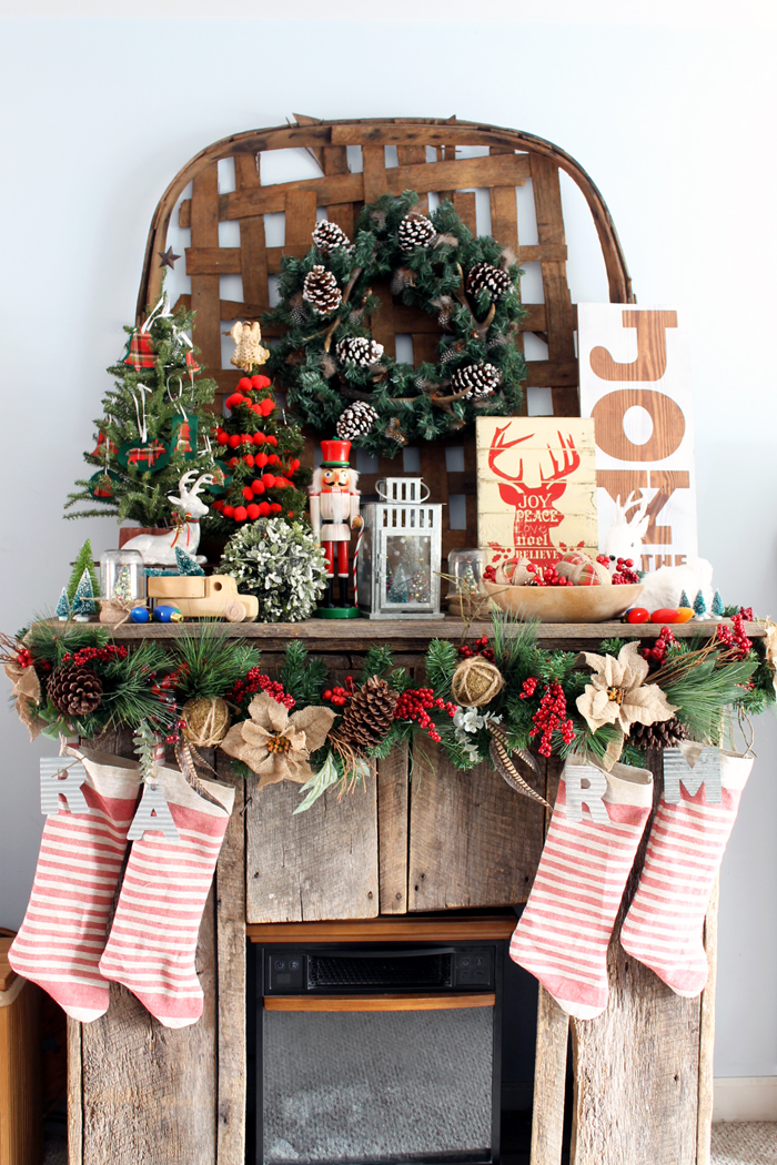 Farmhouse Style Christmas Home Tour - a tour of a home decorated in rustic style for the holiday!