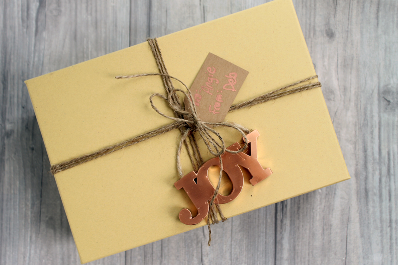 kraft-and-copper-gift-wrap-ideas-001