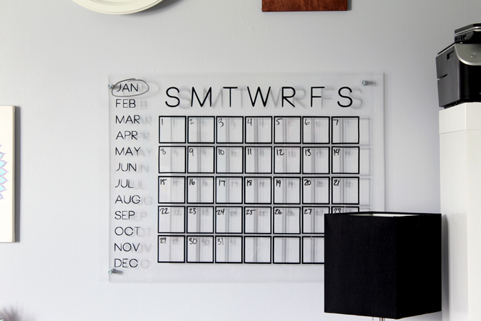 Make this DIY acrylic calendar for organizing your home office. Easy to make with a Silhouette machine!