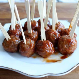 Make this crockpot meatballs appetizer recipe for your next party!