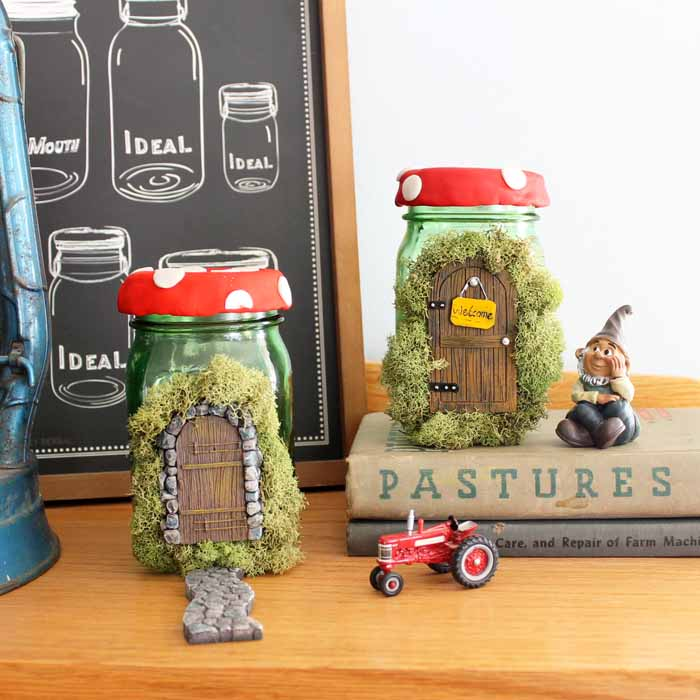 Make this fairy house mason jar craft! A fun spring craft idea for your home decor!