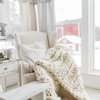 Chunky Knit Blankets – Make or Buy for Your Home