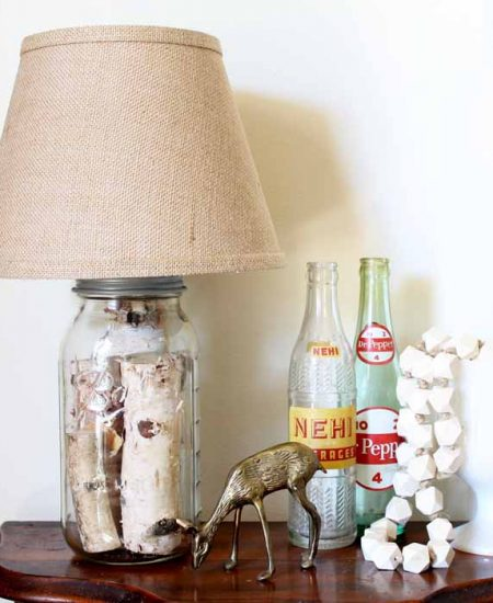 Mason jar table lamp - you can make your own version in just minutes!