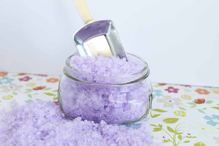 Bubbling lavender bath salts recipe that is perfect for Mother's Day or anytime a quick and easy gift is needed!