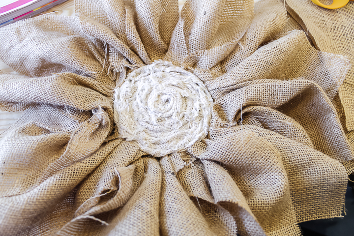 one row of flower petals on a wreath