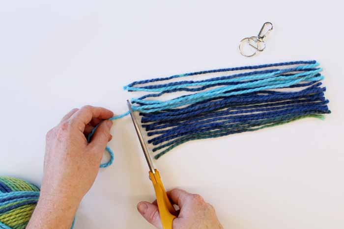 cutting yarn strips