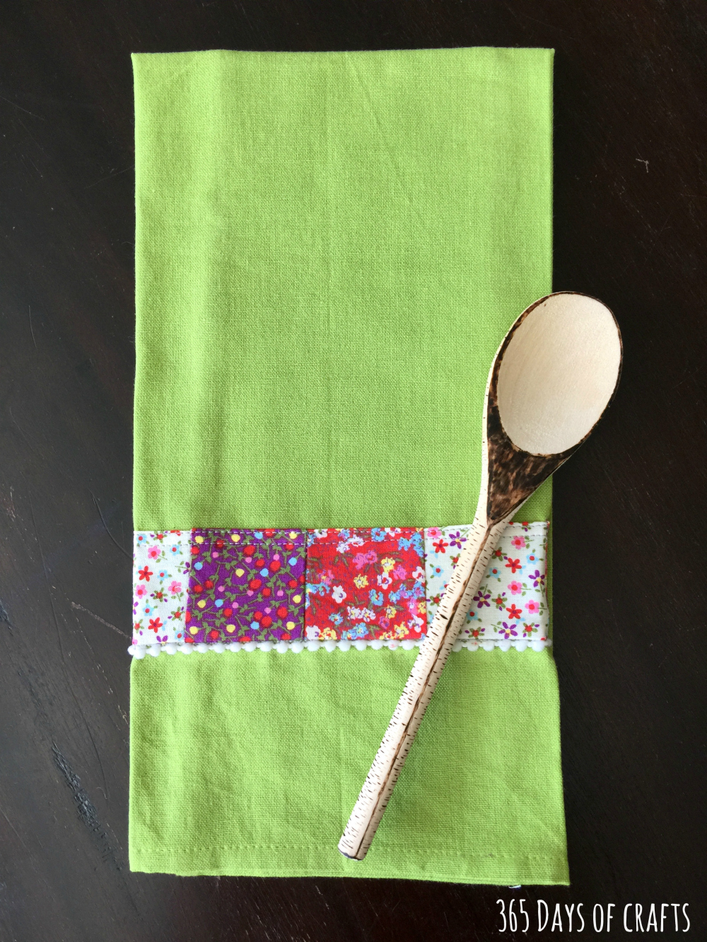 Fabric Scrap Tea Towel - a great Mother's Day gift idea!