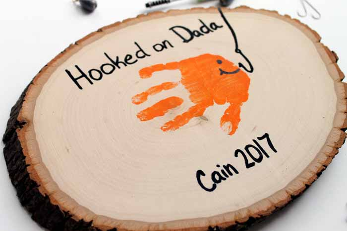 Make this hand print art for Father's Day! A quick and easy way to show you care!