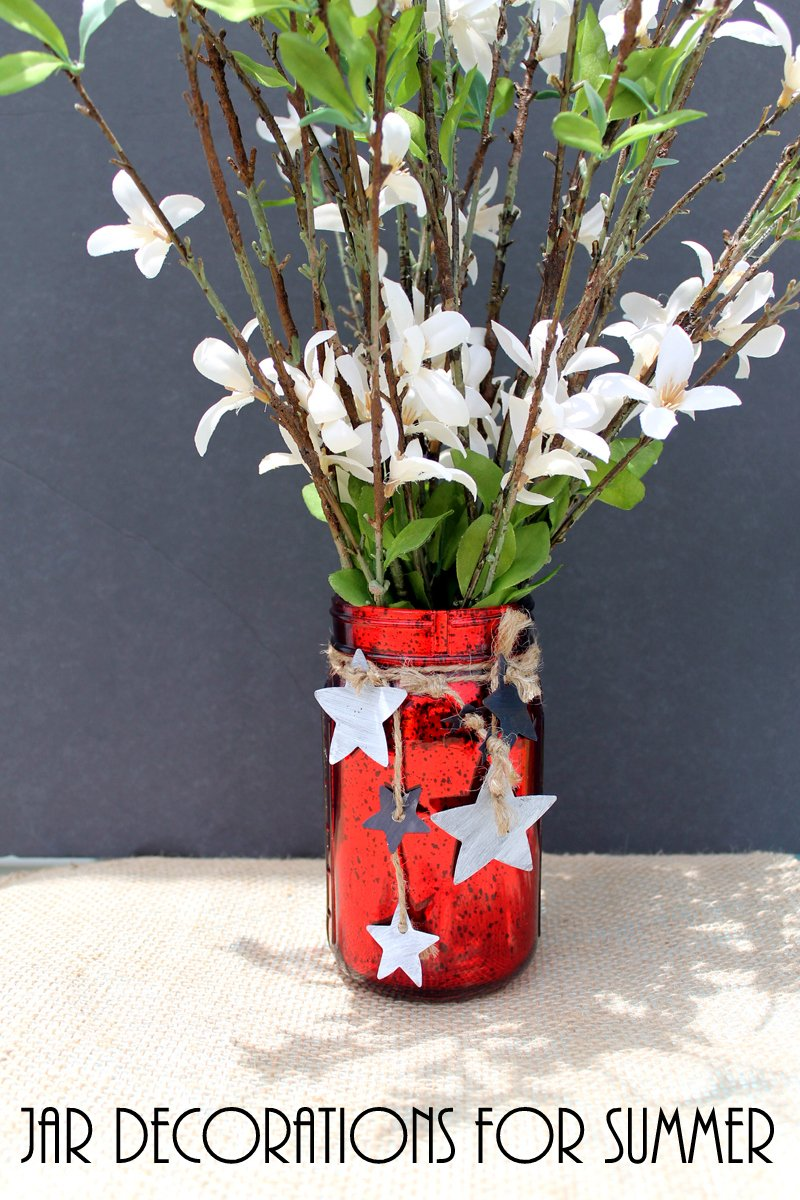 Jar decorations for your summer party! Make this in just minutes for the 4th of July and more!