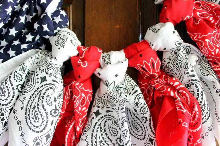 how to make a patriotic wreath from bandanas just in time for the 4th of July!