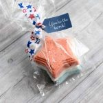 The best bath bomb recipe in a star shape! A fun gift for summer! Think Memorial Day, 4th of July, and more!