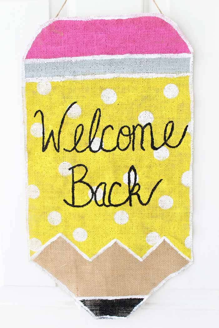 Make this class door decoration for back to school! A quick and easy burlap door hanging!