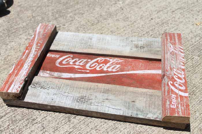 Make a DIY tray from an old Coke crate for your farmhouse style home!