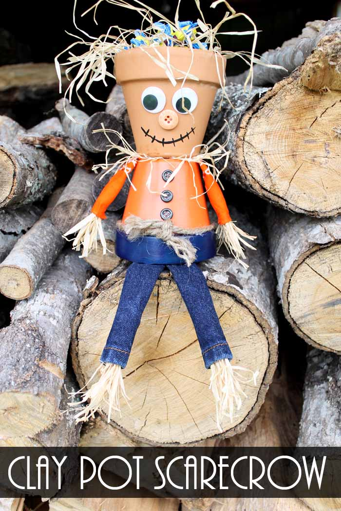 Make this Halloween candy bowl this year! A fun clay pot scarecrow to hold your candy this fall!