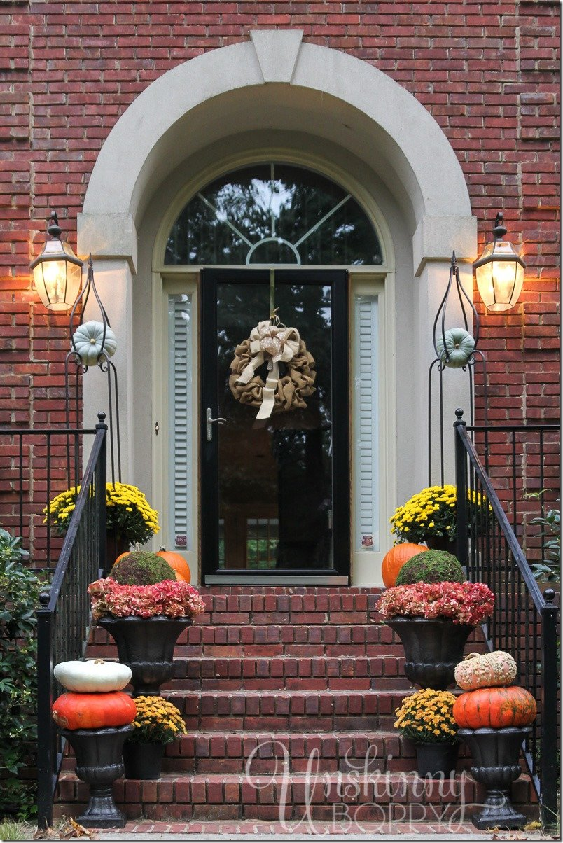 Easy Outdoor Fall Decor Inspiration - The Country Chic Cottage