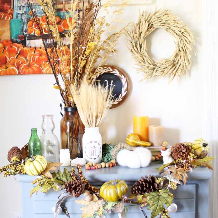 Add battery operated lights for gorgeous fall room decor! Great farmhouse style options here!