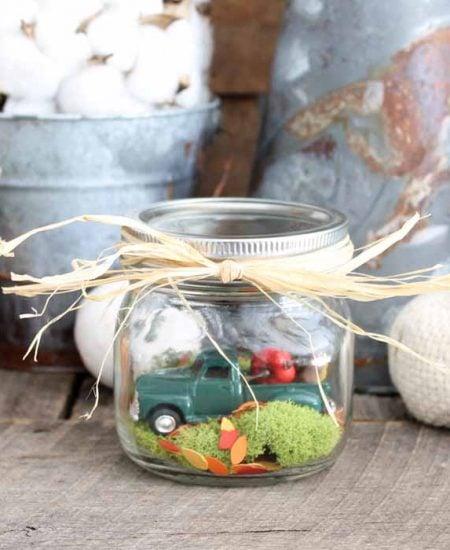 Make this fall snow globe! An adorable indoor fairy garden for autumn!