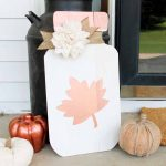 Make this mason jar sign! A perfect addition to your porch for fall!