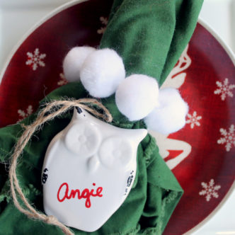 5 Quick and Easy Christmas Napkin Rings - ideas to make for your holiday tablescape.
