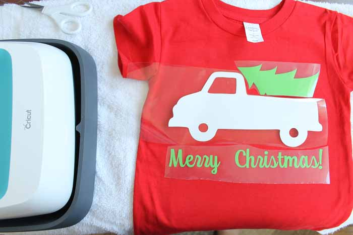 applying t shirt vinyl with the cricut easy press making your own t shirts has