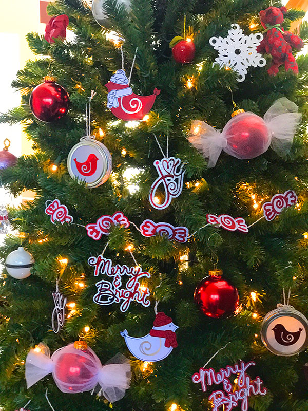 if you like this ornament i made a whole set you make check out the christmas ornaments i created on my blog i used images from my new cricut art set