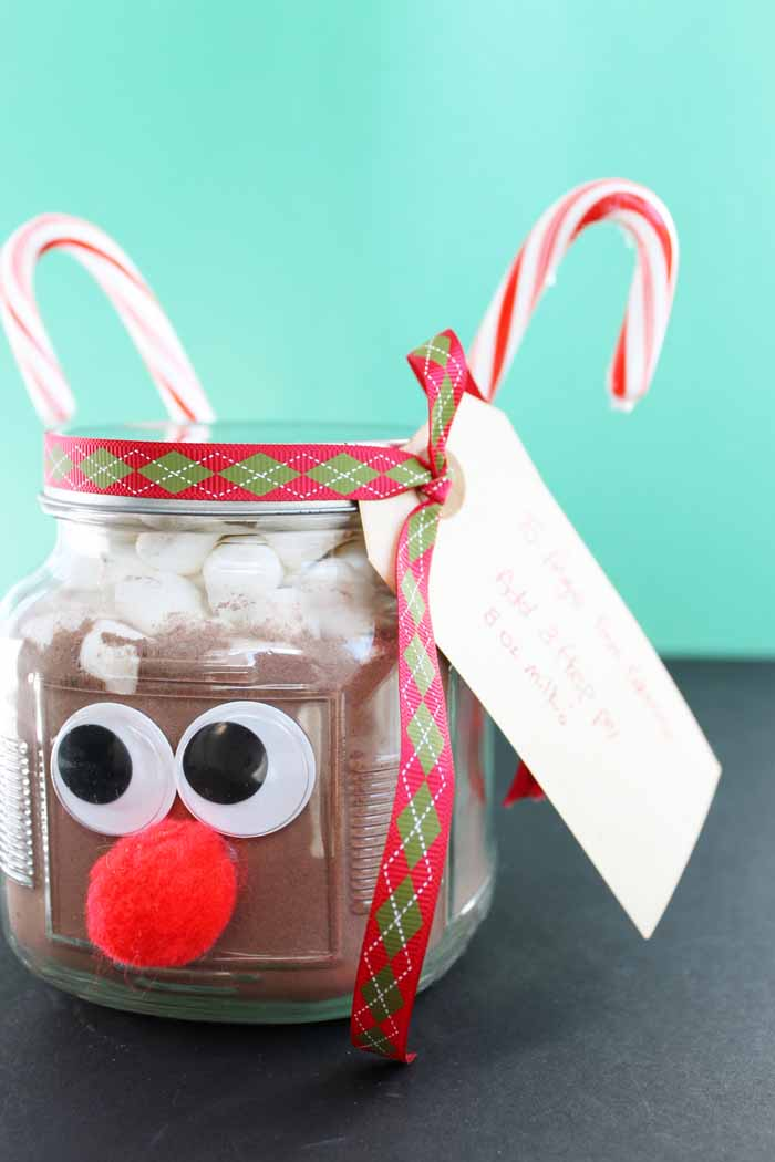 This hot chocolate in a jar gift idea is easy to make and perfect for Christmas! Give a Rudolph themed gift in a jar!