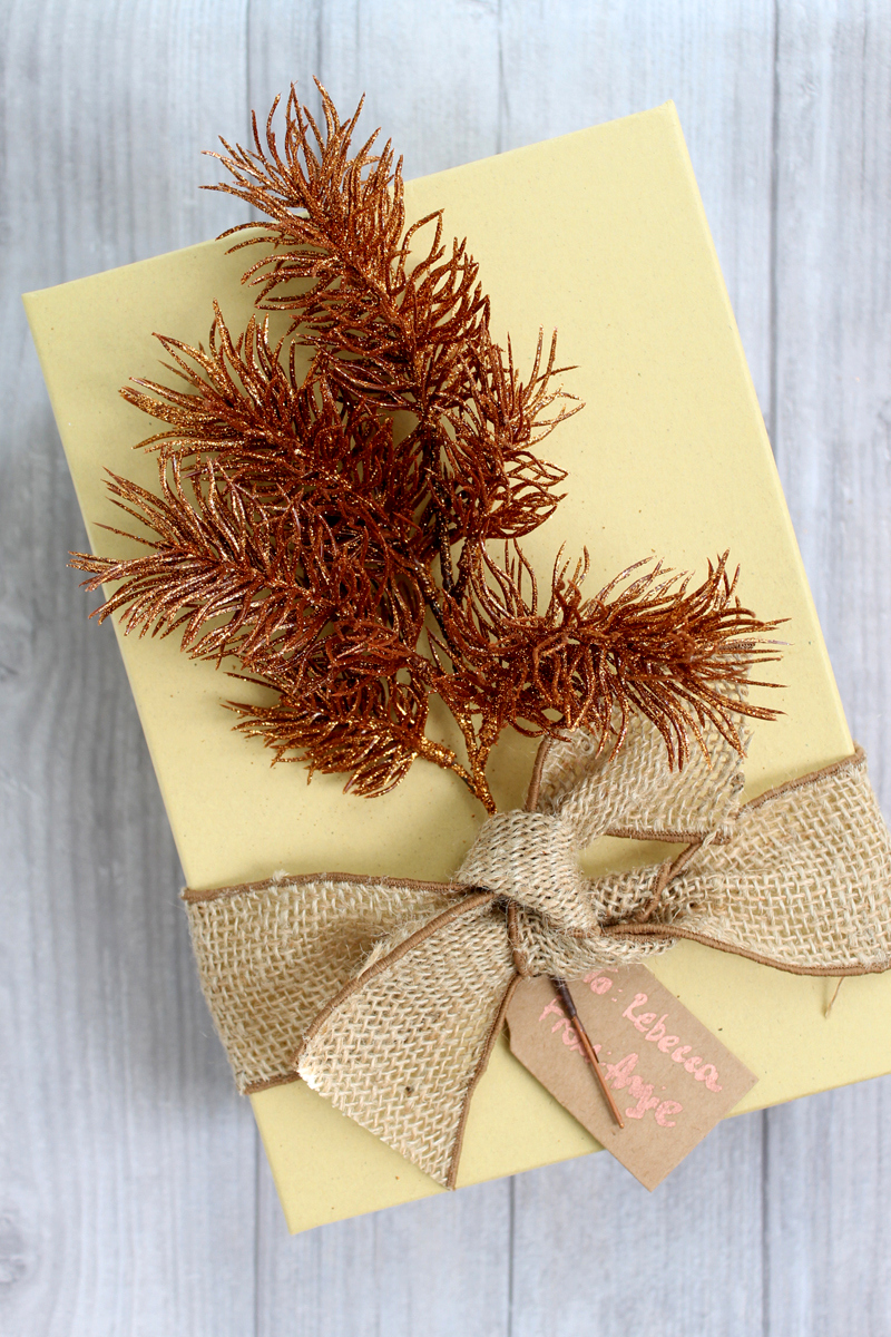 Christmas gift wrap ideas - think outside of the box with these copper and metallic ideas for wrapping holiday gifts!