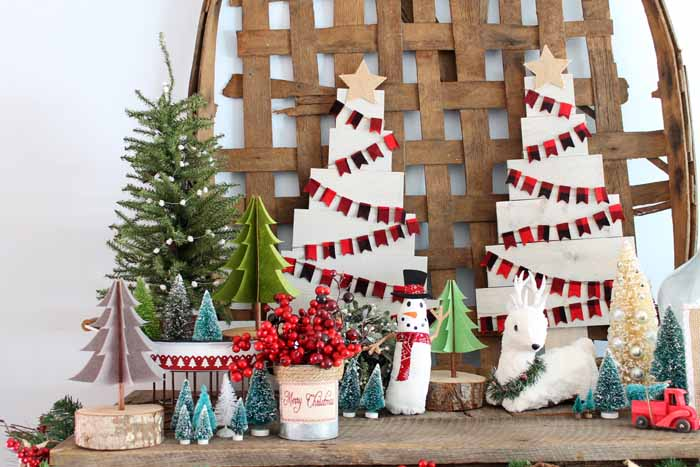 Farmhouse Christmas Decor - great ideas for your home for the holidays!