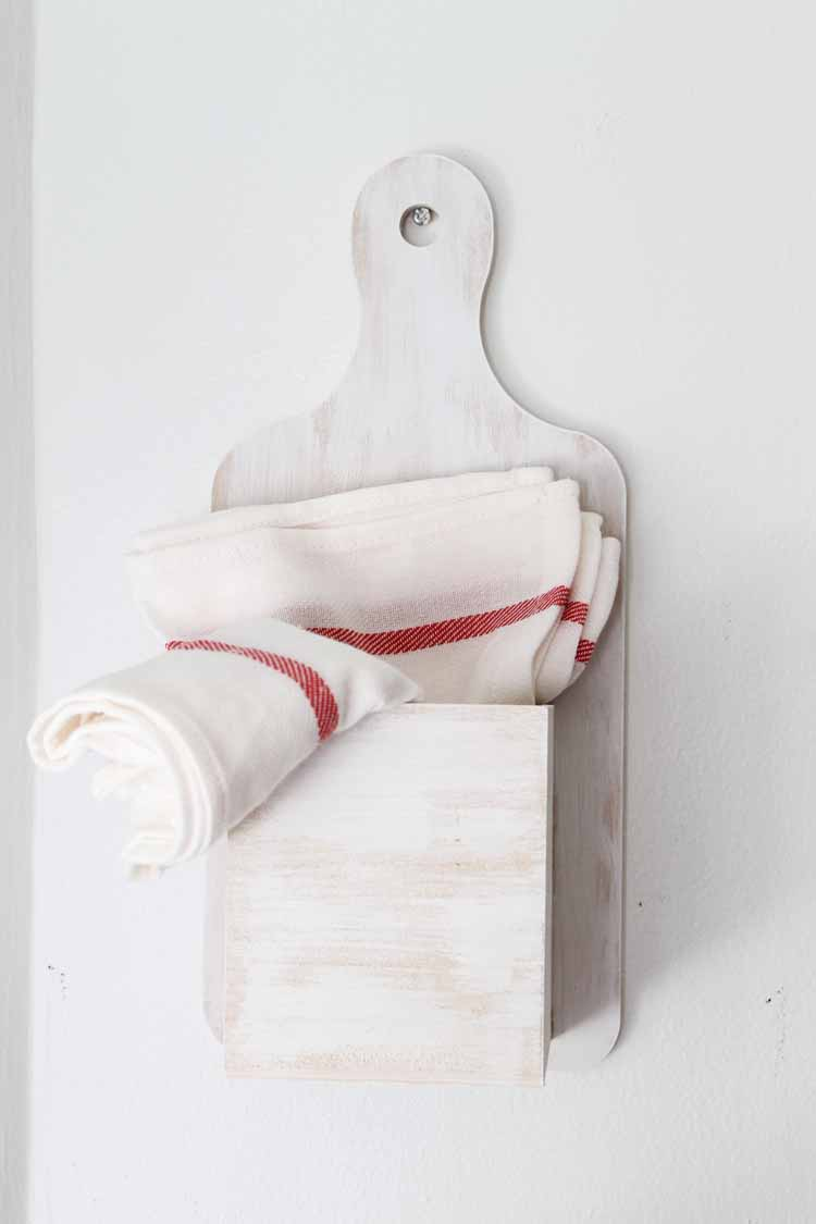 Make this kitchen wall storage for your farmhouse style home! An easy DIY project that looks great as well!