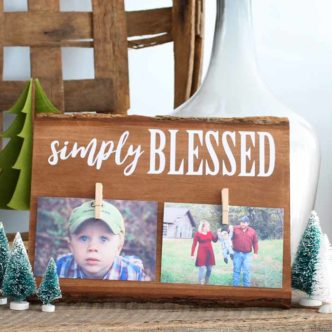 Make this double photo frame for your rustic farmhouse style home.