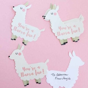 Make this funny Valentine with a llama quickly! Includes a free printable as well as instructions for cutting on your Cricut if you would like!