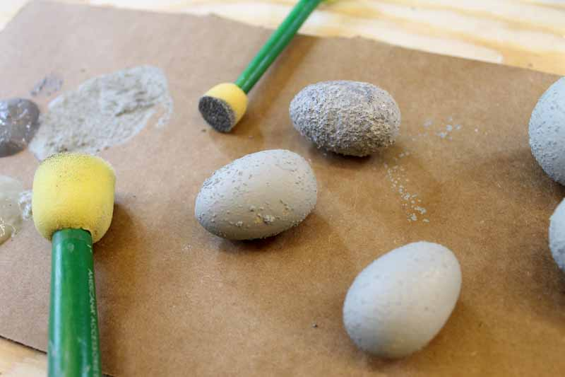 Making cement crafts has never been easier! Use a faux concrete finish to make these eggs and so much more!