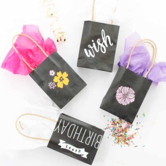 Make custom gift bags in minutes with Chalk Couture! A quick and easy project anyone can do!