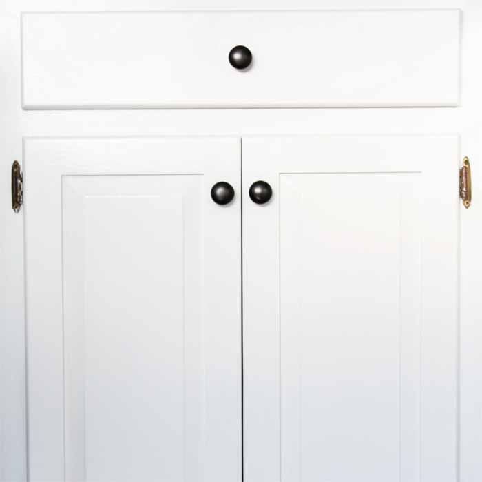 Painting kitchen cabinets - everything you need to know to tackle this project for yourself!