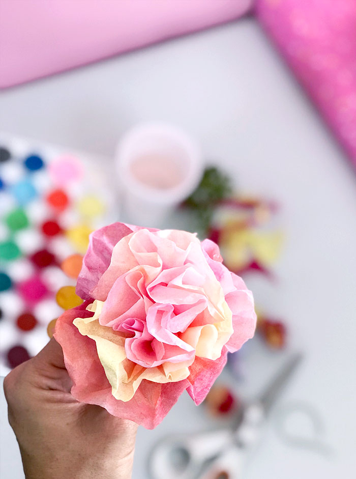 Make tissue paper flowers in just a few simple steps