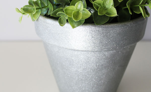 Glitter painted flower pot tutorial