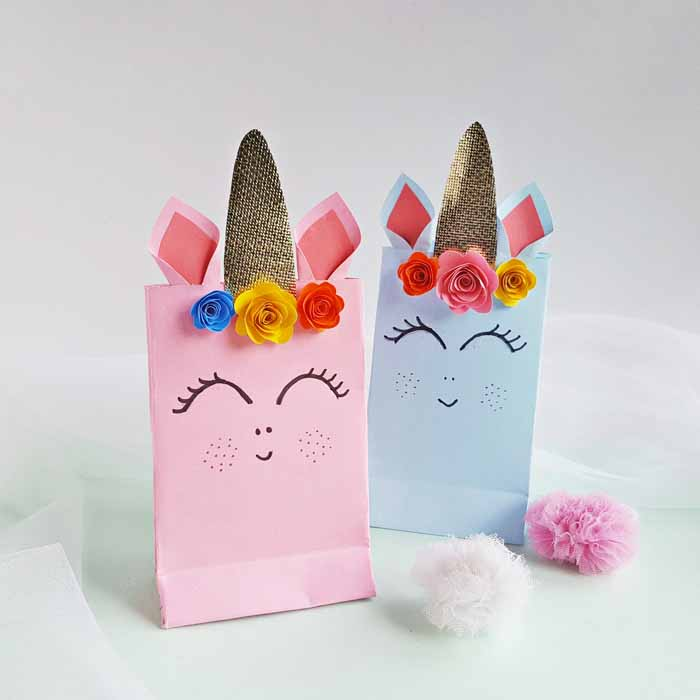 These unicorn party bags are a simple craft that's perfect for parties and so much more!