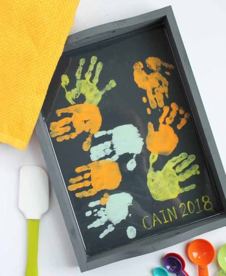 toddler gift for mom with handprints