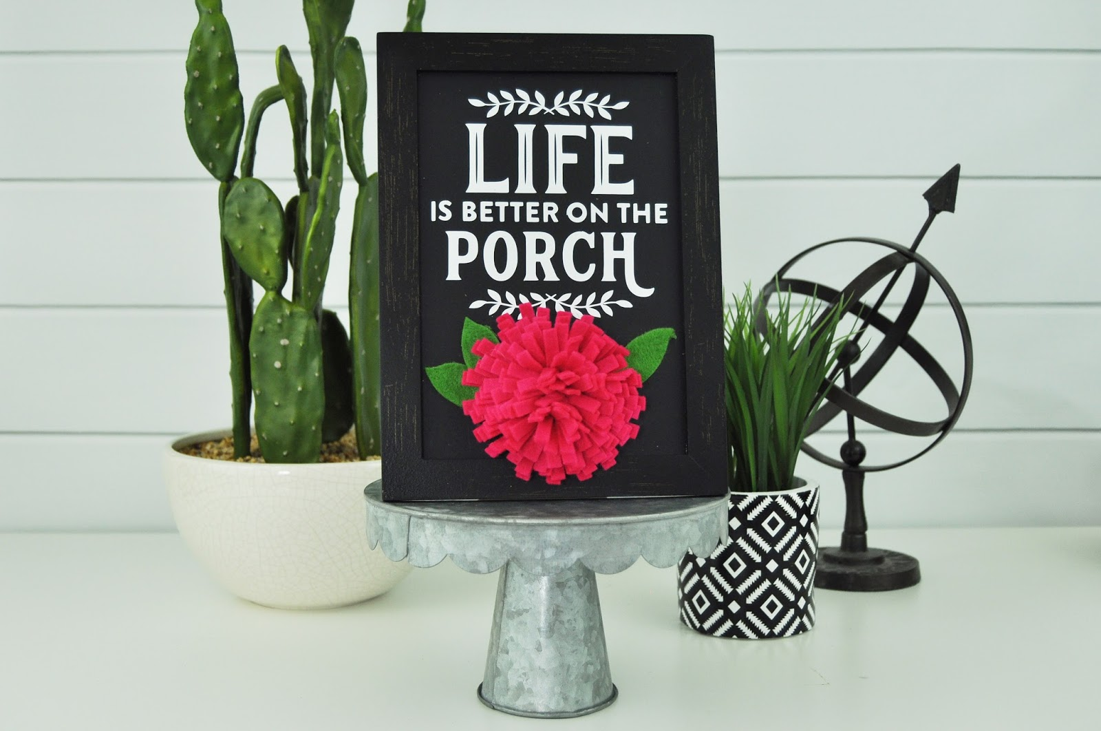 Quick and easy wood crafts including this porch sign for your summer decor.