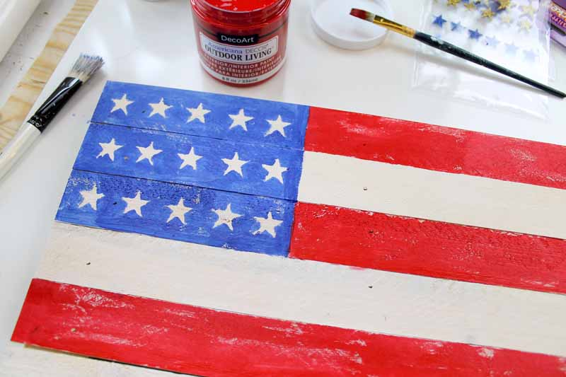 Painting on a pallet flag