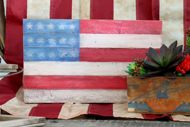 Pallet flag wood craft idea