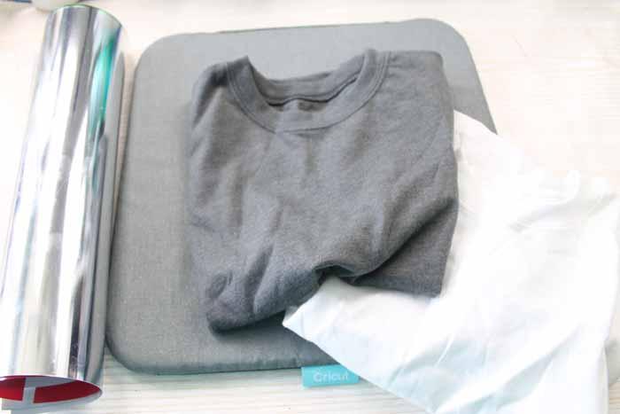 shirt on an easypress mat