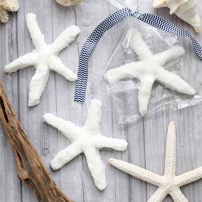 These diy bath bombs are perfect gifts