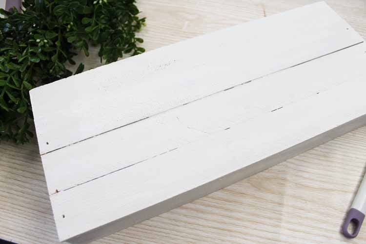 painting a wood box white
