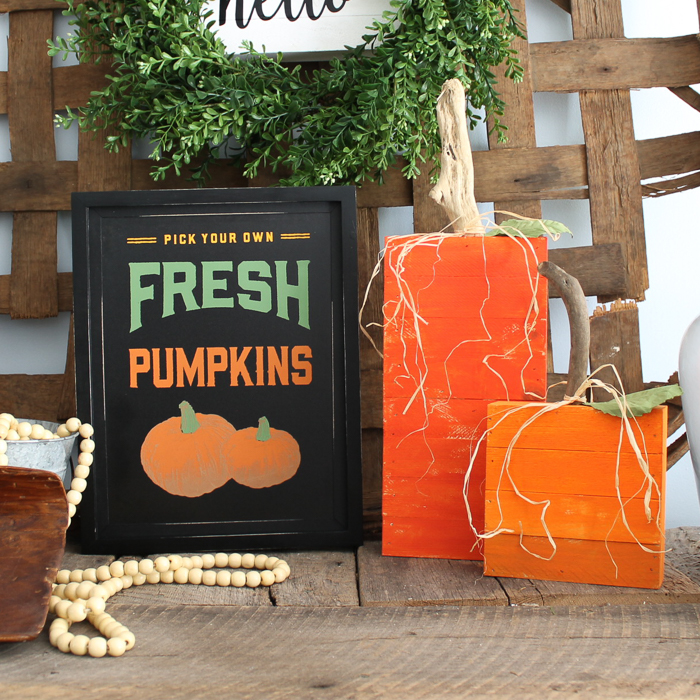 using chalk couture to make a fall sign