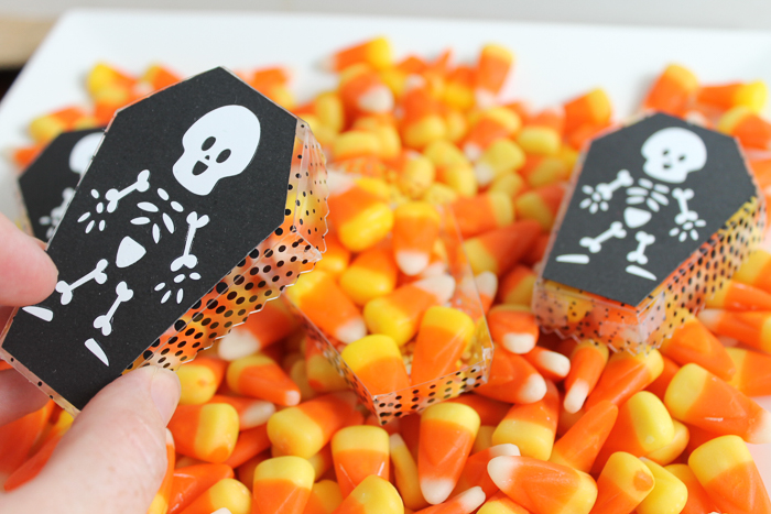 Halloween Gift Ideas - custom made coffin treat box with cute skeleton! Make this with your Cricut Maker including scoring the acetate with the scoring wheel! #cricut #cricutmade #cricutmaker #halloween