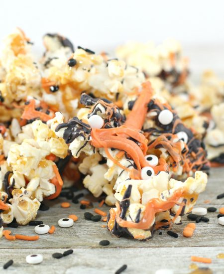 popcorn with chocolate drizzle