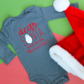 Baby Christmas Onesie with the Cricut