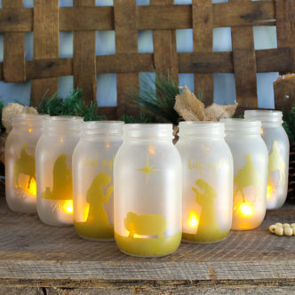 Make these Christmas jars this holiday season! A gorgeous nativity scene in the form of jars that you can add holiday candles to! Plus they are oh so easy to make with Ball mason jars! #jingleballtheway #ball #masonjars #christmas